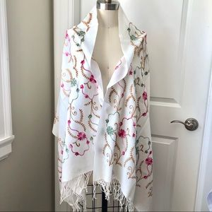 NWT Pashmina Wool White Floral Embroidered Scarf